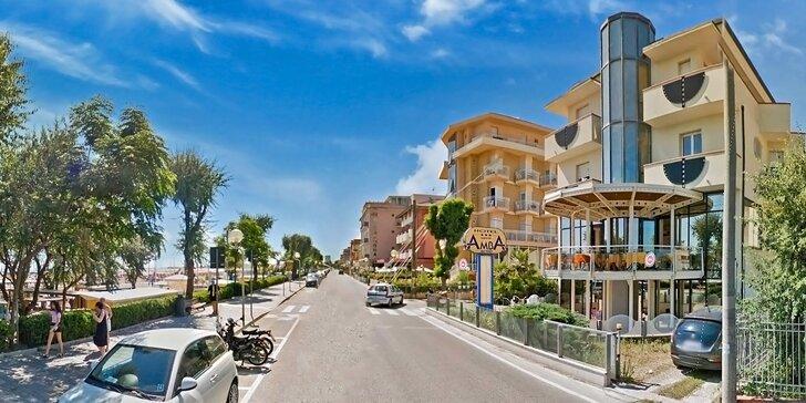 8denní dovolená v Rimini, polopenze a hotel přímo u písečné pláže