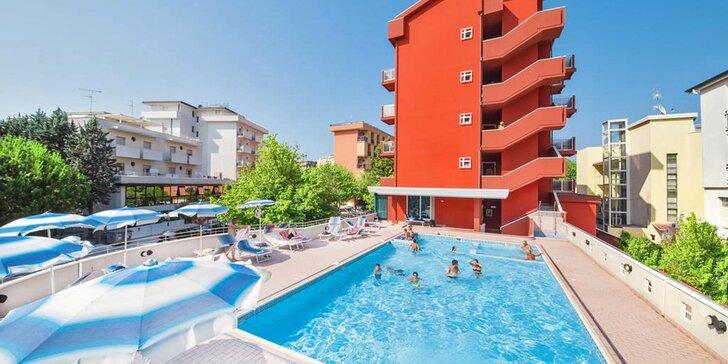 Letní dovolená v italském letovisku Cesenatico: hotel s all inclusive a bazénem, 150 m od pláže