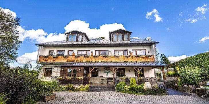 Vyhlášený turistický cíl pod Hostýnem: pobyt v hotelu se stravou, bazény i bowlingem či squashem