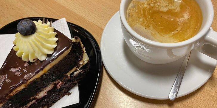 Káva a dort podle výběru pro 1 nebo 2 osoby, možnost odnosu s sebou