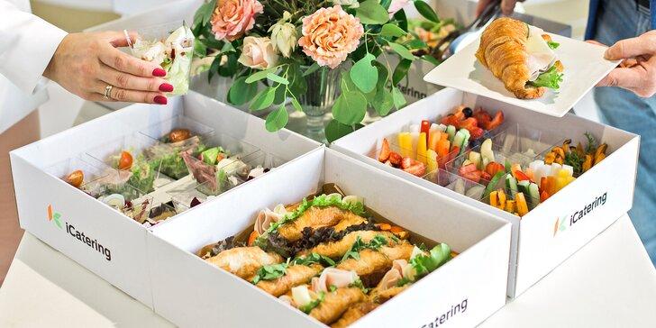 Otevřené vouchery na iBoxíky s hotovými dobrotami: mini burgery, sushi, tortilly i zákusky a zdravá jídla