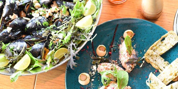 Jako na letní dovolené: Tříchodové degustační menu se slávkami pro dva