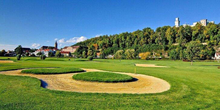 Jednodenní nebo dvoudenní kurz golfu v luxusním Golf Resortu Hluboká