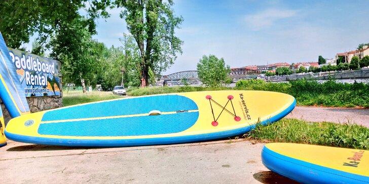 Vyrazte na vodu: zapůjčení paddleboardu na 60 min. pro 1 osobu