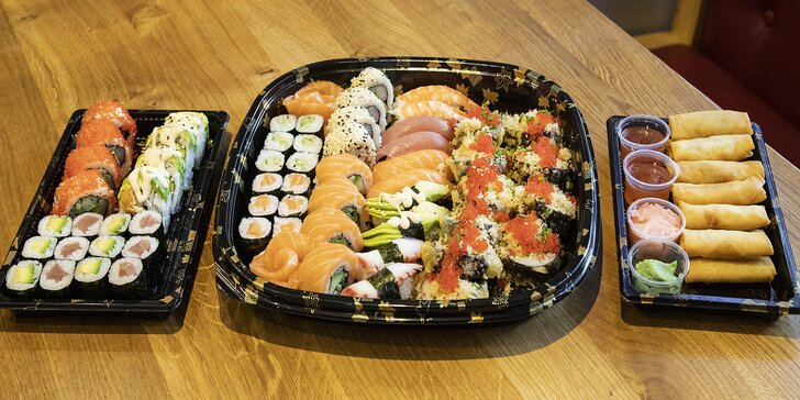 Sety 14–68 kousků sushi s rybami i zeleninou a k nim minizávitky