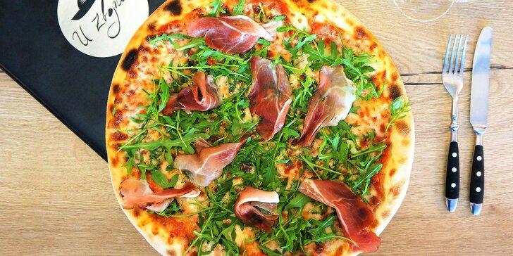 Rozvoz domů: 2 nebo 3 pizzy podle výběru z 27 druhů i s pivem Radegast