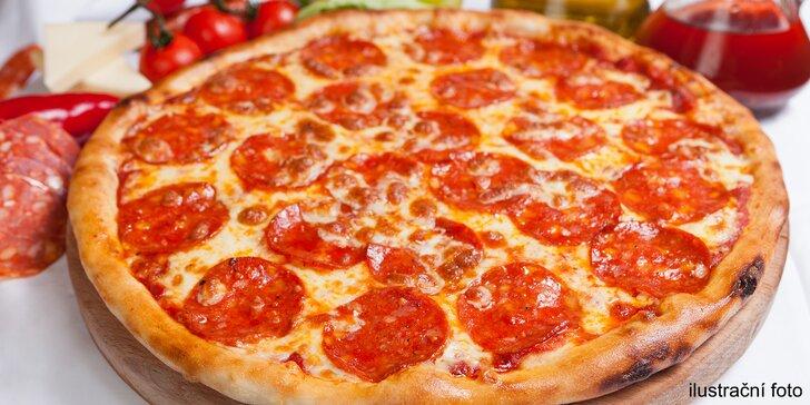 Kulatý a křupavý oběd: pizza podle výběru z 5 druhů na odnos s sebou