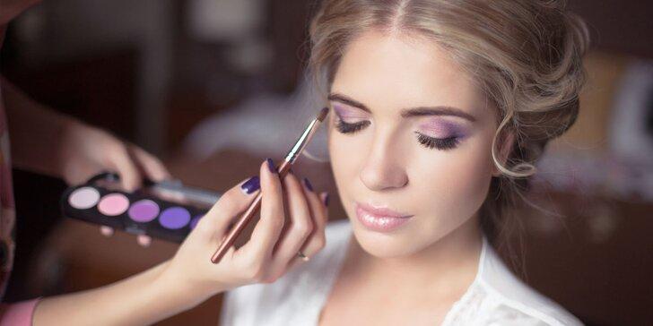 Udělejte něco pro sebe: večerní líčení i styling účesu
