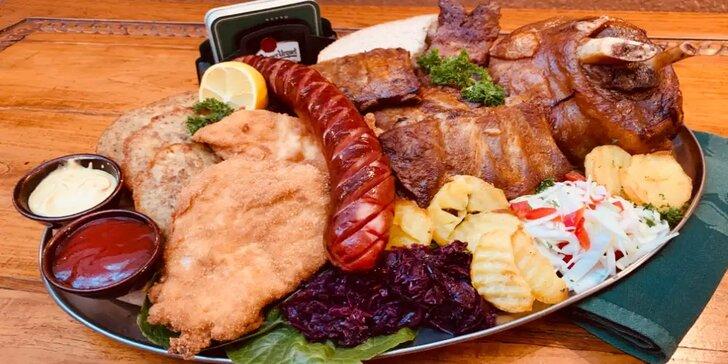 Degustační masové menu až pro 6 osob: žebra, koleno, řízky i klobása