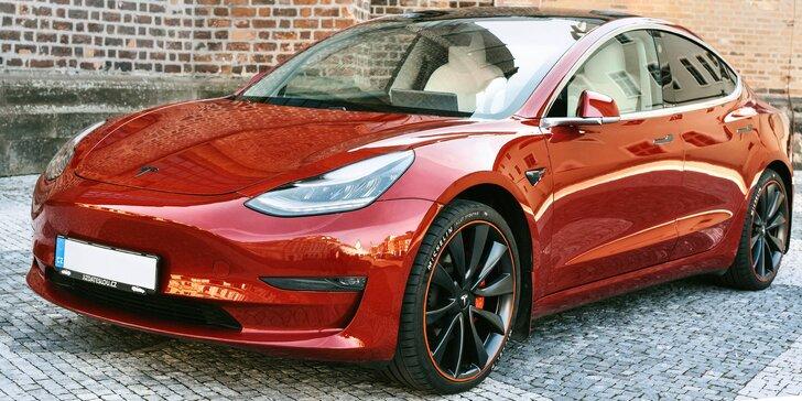 Jízda do budoucnosti v elektromobilu Tesla Model 3 Performance