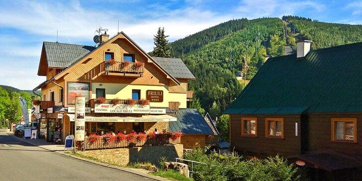 Rodinný pobyt v Harrachově: pokoj se saunou, all inclusive a zážitky