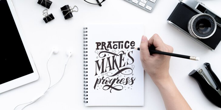 Kreslete písmena jako umělec: online kurz letteringu pro začátečníky