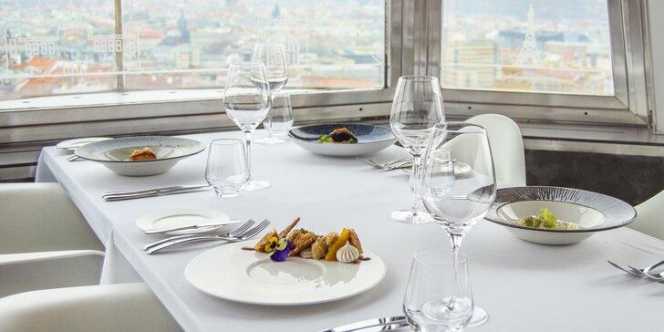 Luxusní 5chodové menu v Žižkovské věži: foie gras, losos, saltimbocca z kuřátka i koktejl