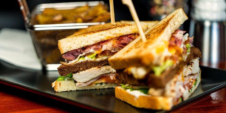 Pořádné menu pro jednoho i pro dva: burger, quesadilla, sendvič či tacos, hranolky a pivo