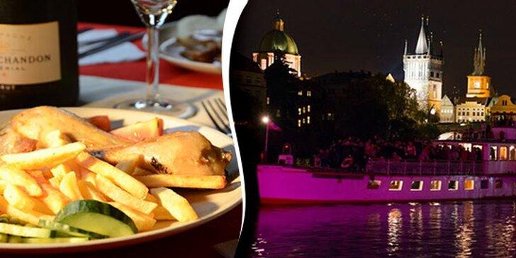 Romantické plavby po Vltavě s obědem či večeří