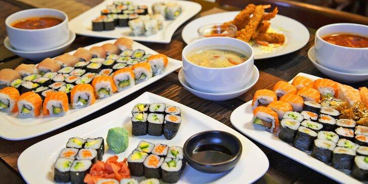 Sushi menu: 24 až 54 rolek a k tomu salát, polévka, závitky i tempura