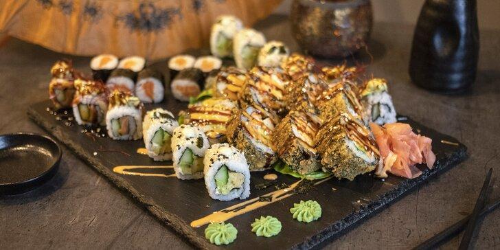 Rozmanité sushi sety v Hikari sushi baru: 20–44 netradičních sushi rolek