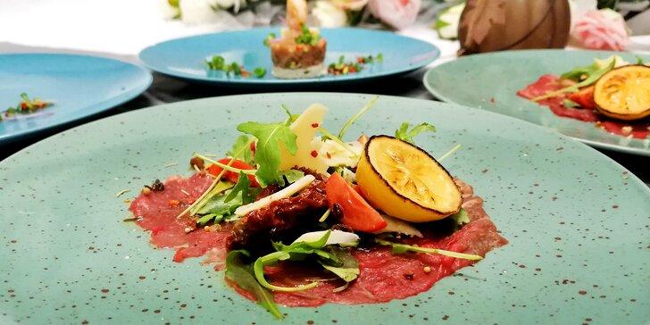 5chodové degustační menu pro dva: zauzená kachní prsíčka, tuňák a carpaccio i makovec