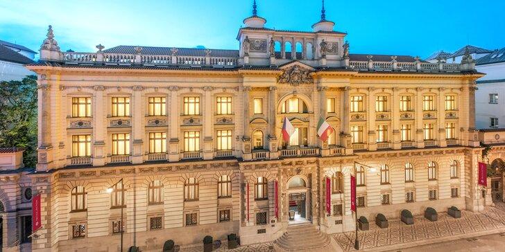5* hotel v novorenesančním paláci v centru Prahy: luxusní pokoje, snídaně i volný vstup do spa