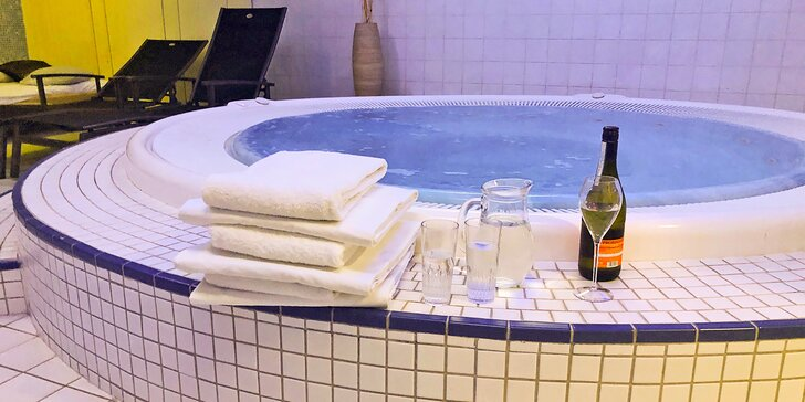 60–120min. privátního wellness v Holešovicích pro dva zamilované: sauny, vířivka a třeba i láhev prosecca