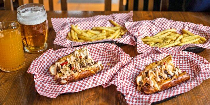 Občerstvení pod Žižkou pro 1 i 2 osoby: hovězí či kuřecí sendvič, hranolky a limonáda nebo pivo