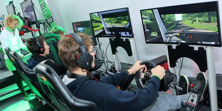 Vstup na pohyblivé závodní simulátory v unikátním racing centru pro 1–3 osoby