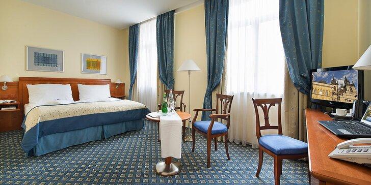 Pobyt ve 4* hotelu na Václavském nám.: snídaně i večeře a okružní jízda