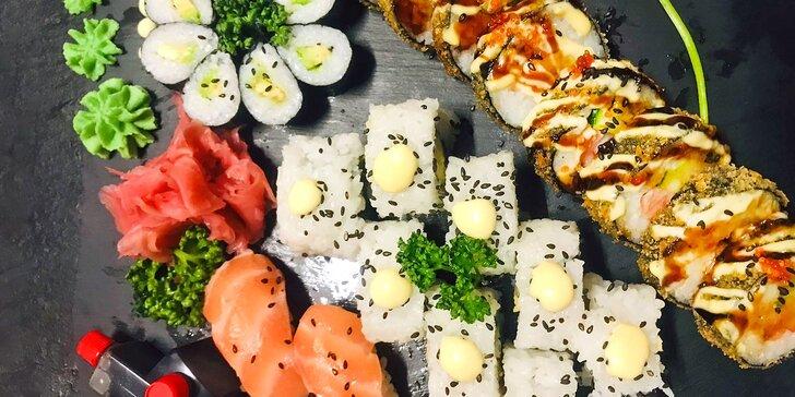 Pochutnejte si na asijské kuchyni: 28 kousků sushi s avokádem a lososem
