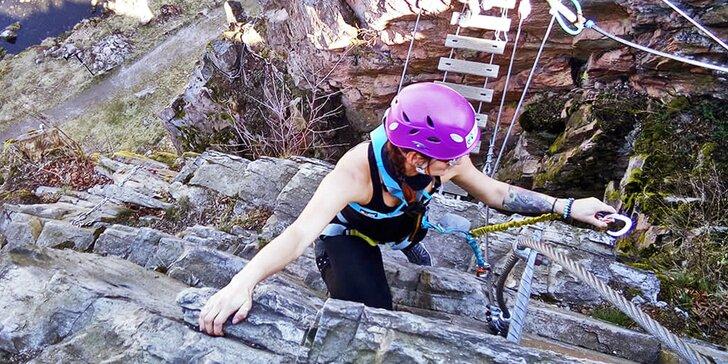 Celodenní kurz skupinového lezení po ferratách nad Vírem na Vysočině pro 1 nebo 2 osoby