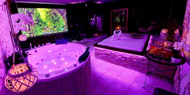 Relaxace ve wellness na 60 až 120 minut: vířivka, infrasauna, projektor i sekt