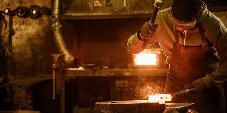 3–5hod. kurz s mistrem kovářem: výroba zvonečku, svícnu, nože nebo růže