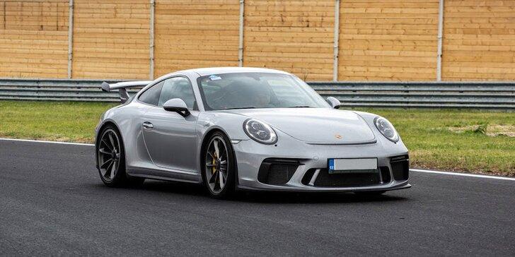 Spolujezdcem v Porsche GT3 na velkém okruhu v Mostě: 1–4 superrychlá kola vedle závodního řidiče