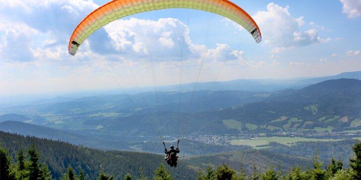 Pořádný adrenalin: tandemový paragliding i se záznamem letu pro 1 osobu