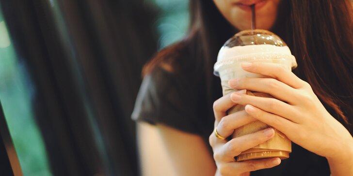 Ochlaďte se v horkých dnech: ledová káva pro dva i s možností zmrzliny