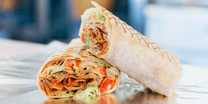 Pochutnejte si: kebab a falafel wrap, kebab plate, hranolky i veganský salát