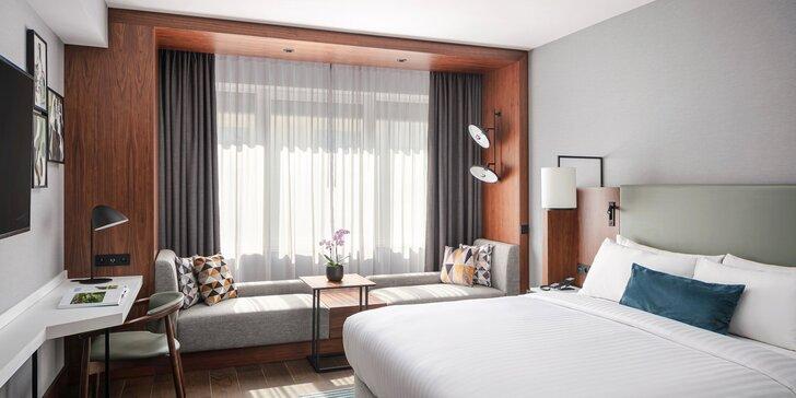 5* hotel Marriott v centru Prahy: snídaně a občerstvení nebo brunch, parkování a jízdenka na MHD