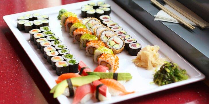 Nechte si naservírovat sushi: 46 nebo 62 ks s lososem, avokádem i tuňákem