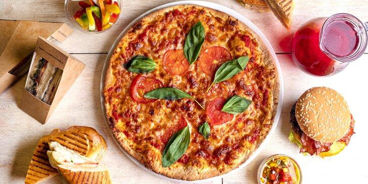 Pizza s sebou o průměru 32 cm: Šunková, Margarita, Hawai i Capricciosa