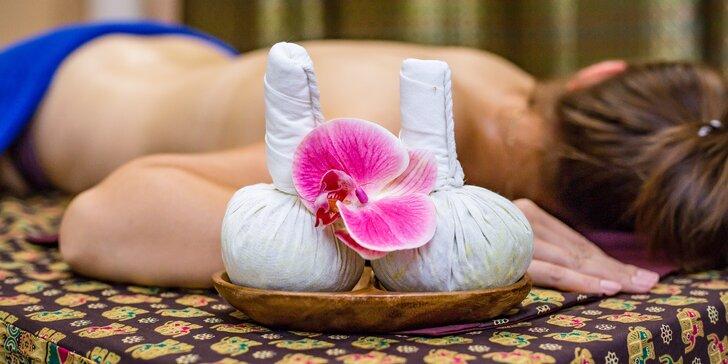 Thajské masáže v délce 90 minut: tradiční i olejová za použití bylinných sáčků