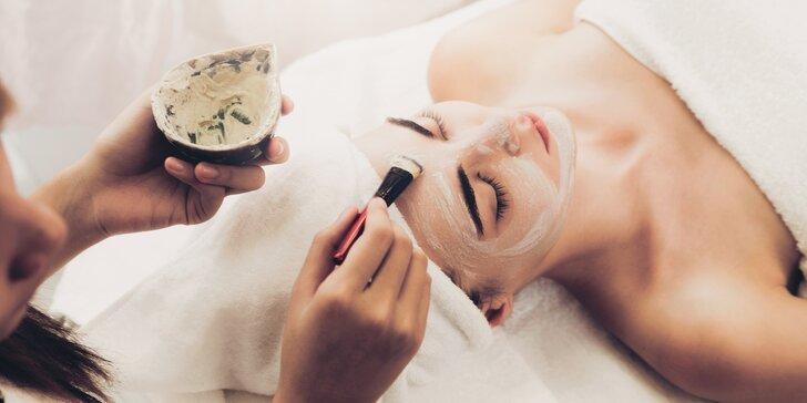 Kosmetické ošetření pleti s možností manikúry či lash liftingu