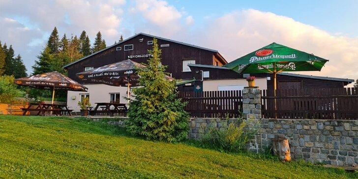 Až 15denní pobyt přímo v Peci pod Sněžkou: horská bouda, polopenze a turistická karta