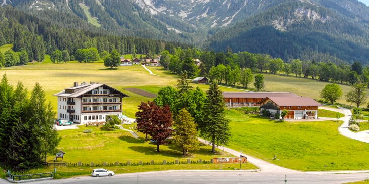 Pobyt v rakouských Alpách: snídaně či polopenze, sauny a turistická karta