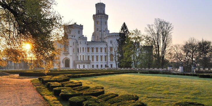 Romantika v podzámčí: 3-5 dní v Hluboké nad Vltavou jen pár kroků od zámku