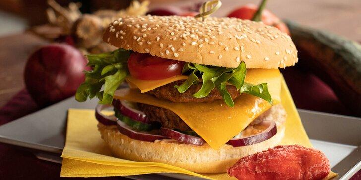 Burgery podle výběru i s hranolky a nápojem: hovězí, kuřecí, vege i speciální