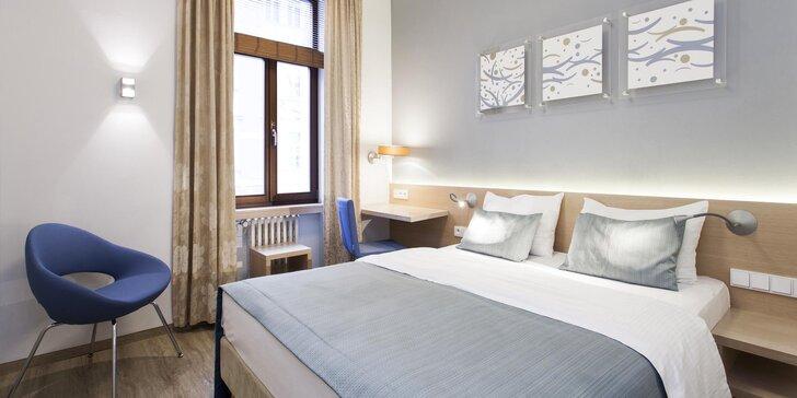 Ubytování v elegantním hotelu pár kroků od O2 areny: 3 různé pokoje, 1–7 nocí, až 4 osoby