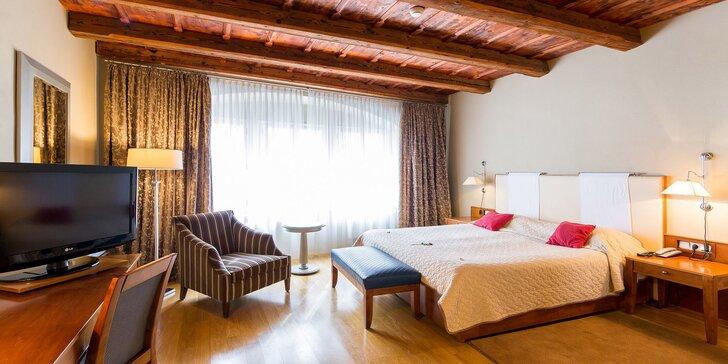 Pobyt přímo pod Pražským hradem: 1–8 nocí v luxusním pokoji, snídaně formou teplého i studeného bufetu