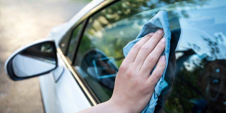 Nechte nablýskat váš vůz: čištění exteriéru i interiéru vozidla u vás doma