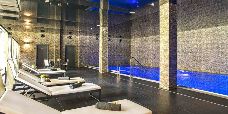 Romantický pobyt pro dva v 5* Château Šanov: polopenze a wellness s bazénem a saunami
