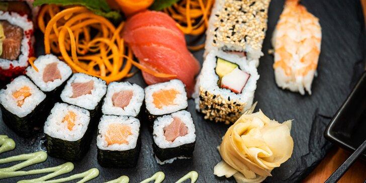 Smlsněte si na sushi setu o 18–62 kouscích: losos, tuňák, avokádo i mango
