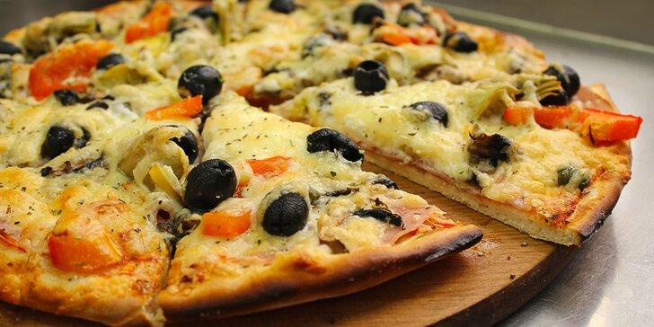 Půlka, jedna nebo rovnou dvě pizzy podle výběru na odnos s sebou